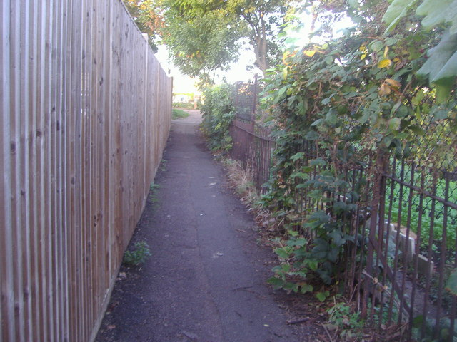 Path from Kew Green to the River Thames