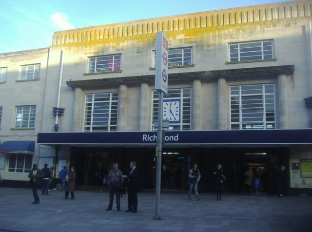 The entrance to Richmond Station