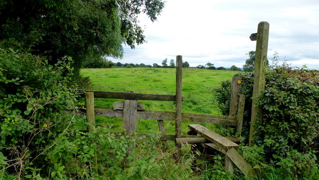 Footpath south from Thurvaston Lane