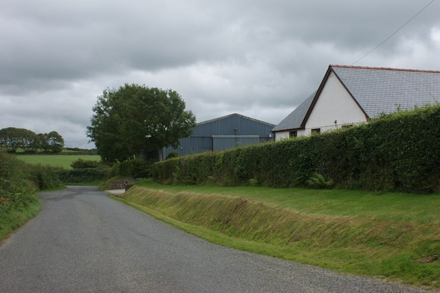 New farmhouse and barns near Cold Comfort