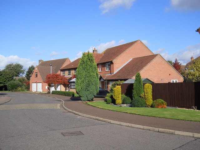 Clarendon Way, Glinton