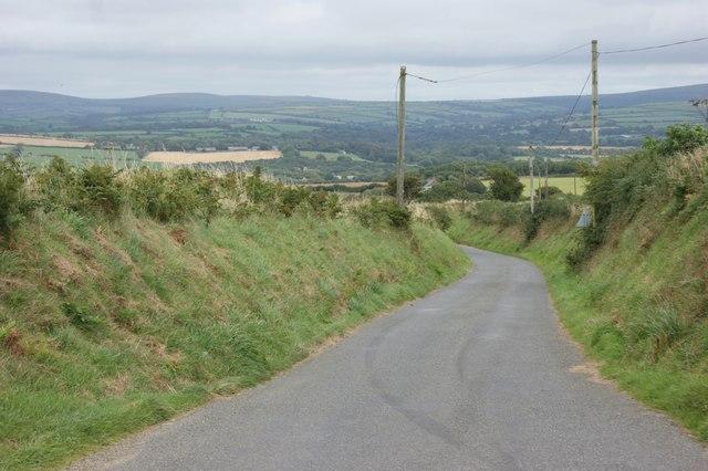 The lane towards Priskilly Cross