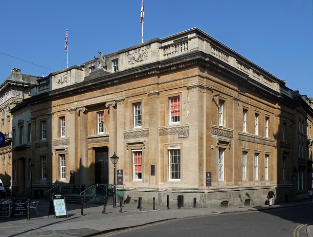 Old council house corn street bristol stephen richards for Classic house bristol
