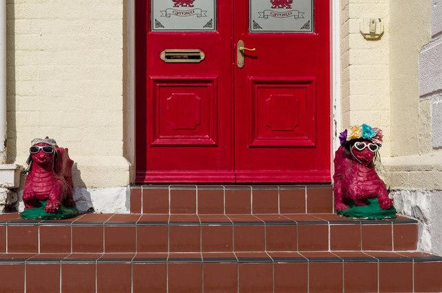 Dragons on the doorstep & Dragons on the doorstep © Ian Capper cc-by-sa/2.0 :: Geograph ...