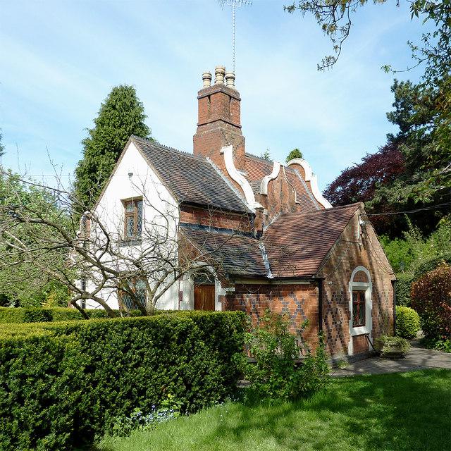 Clairmont Cottages Birmingham Al: Teulon Cottage In Birmingham Botanical... © Roger Kidd