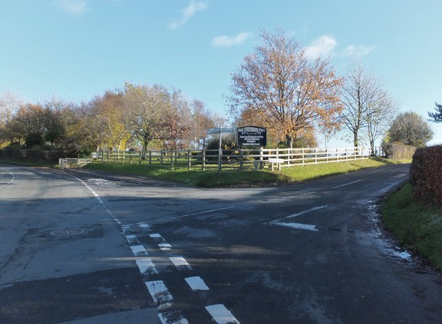Road junction by Bob Williamson Park