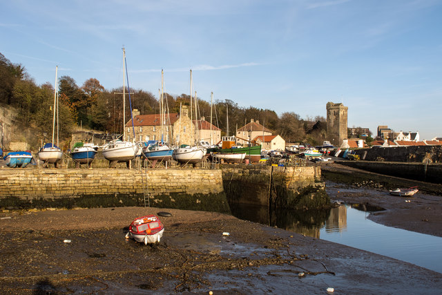 Low tide at Dysart Harbour