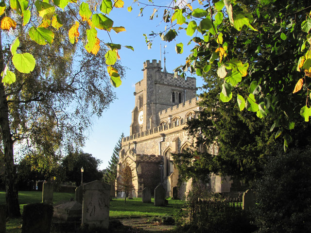 The Autumn Sun shines of Tring Parish Church