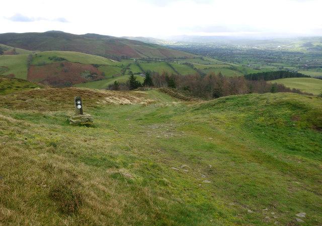Offa's Dyke path leaving Penycloddiau