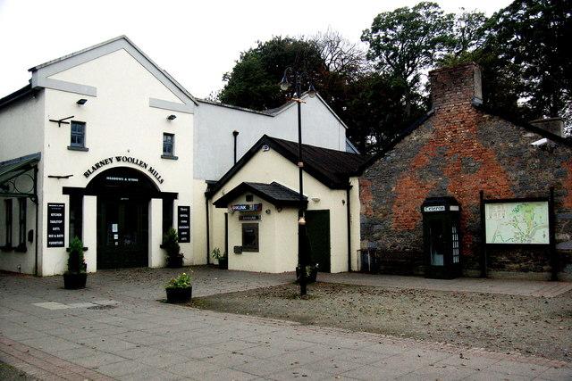 Bunratty - Blarney Woollen Mills, Phone Booth & Village Directory
