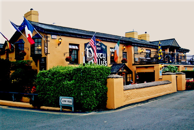 Bunratty - Durty Nelly's Pub - Northwest & Front Sides
