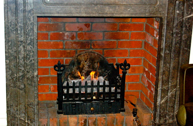 Bunratty Castle Hotel - Turf Fire in Lounge Fireplace