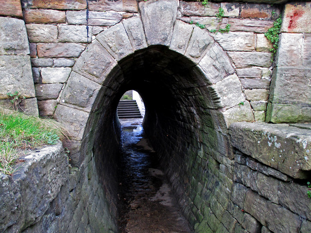 Towpath tunnel at Marple locks