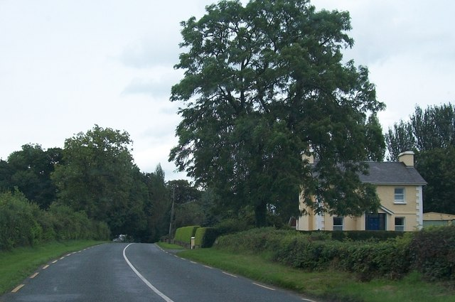 Double fronted house alongside the R164 at Donore, south of Moynalty