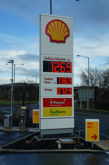 Shell garage on conway road a470 ian s cc by sa 2 0 geograph britain and ireland - Find nearest shell garage ...