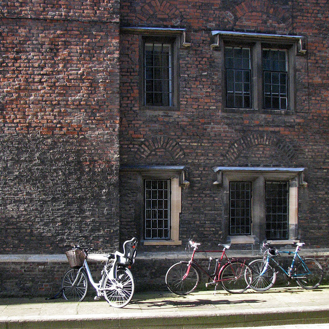 Queens' Lane: bricks and bicycles