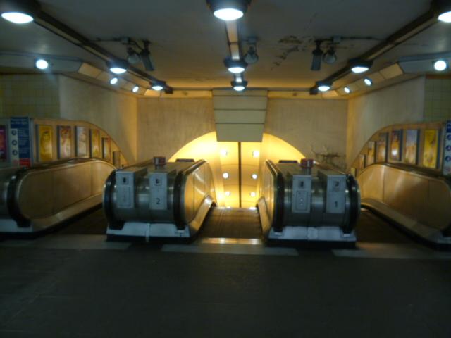 escalators turnpike lane underground robin sones. Black Bedroom Furniture Sets. Home Design Ideas