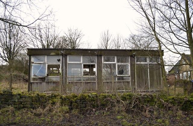 Pre-Fab Terrapin Classrooms on Mortimer Road, Midhopestones, near Stocksbridge - 1