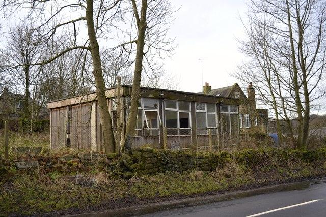 Pre-Fab Terrapin Classrooms on Mortimer Road, Midhopestones, near Stocksbridge - 2