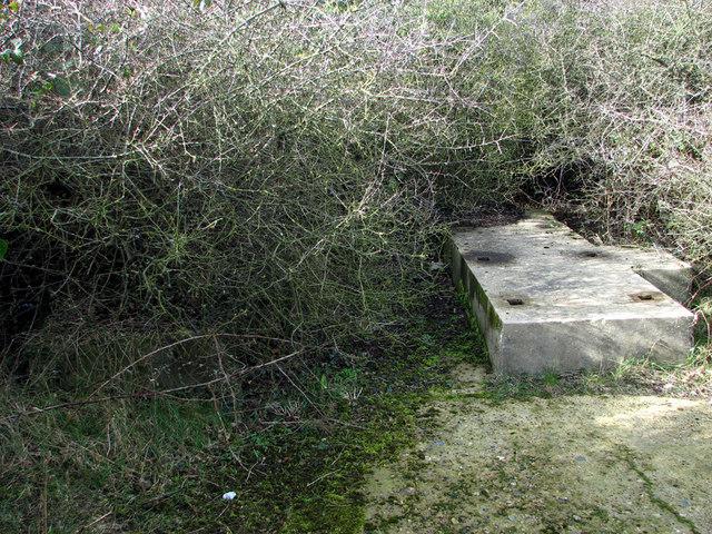 TG0743 : RAF Bard Hill - concrete plinth for generator