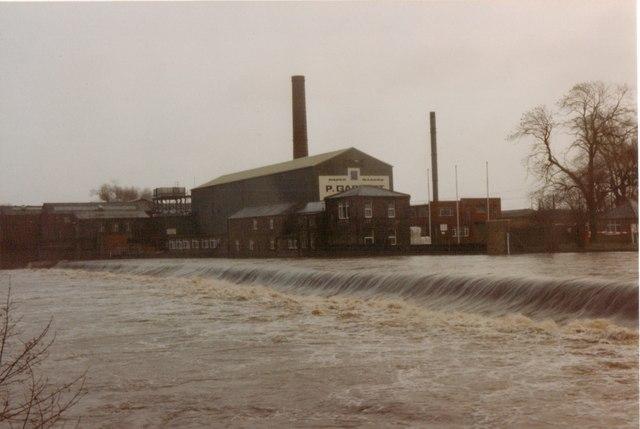 otley weir and garnett u0026 39 s paper mill  u00a9 john winder