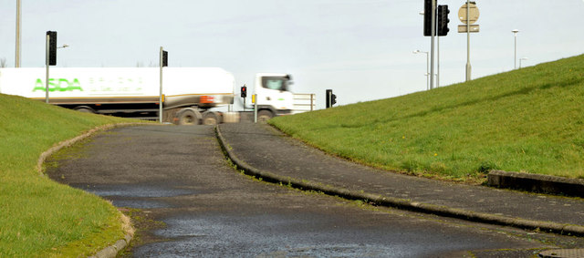 Cycle lanes and subways, Sydenham bypass, Tillysburn, Belfast - March 2014(6)