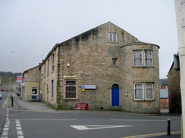 Red Coach Inn >> The Old Red Lion Pub, Accrington © Tricia Neal cc-by-sa/2.0 :: Geograph Britain and Ireland