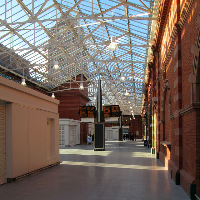 Nottingham Midland Station: the new concourse
