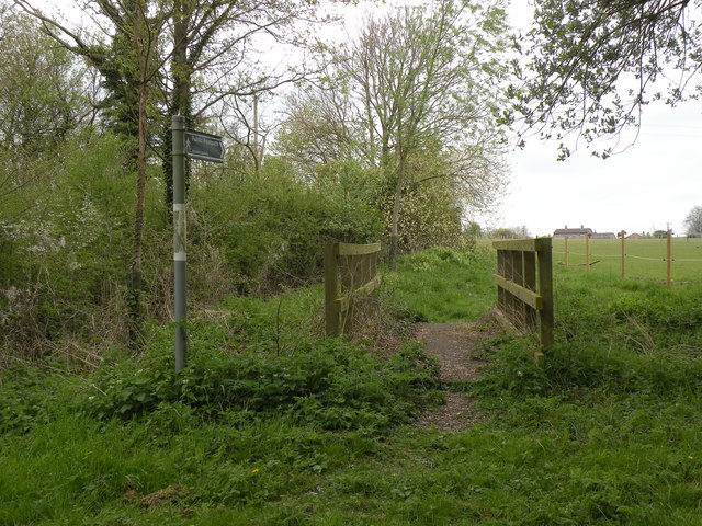 Public footpath in Castle Camps