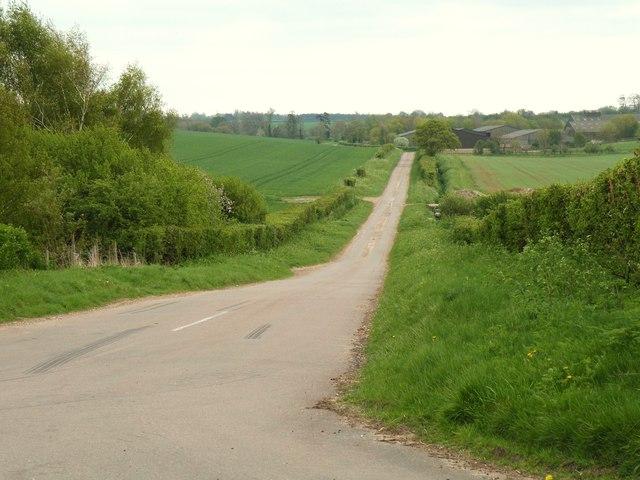 Webbs Road, looking towards Streetly End