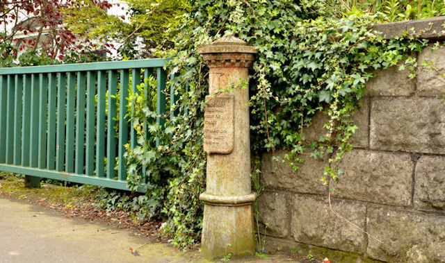 Old boundary post, King's Road, Belfast - April 2014(1)