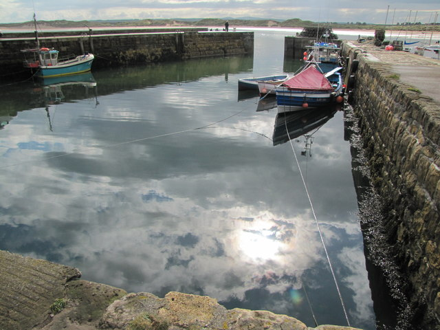 Beadnell Harbour © N Chadwick cc-by-sa/2.0 :: Geograph ...