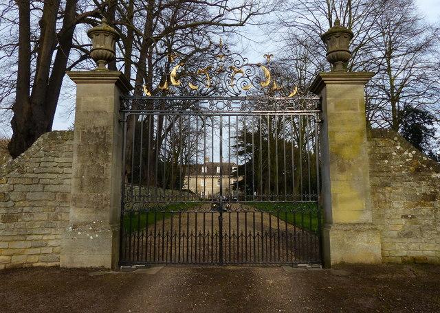 Gates To Prebendal House Empingham 169 Mat Fascione Cc By