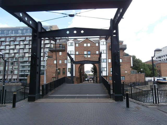glengall bridge millwall dock john lord cc by sa 2 0 geograph britain and ireland. Black Bedroom Furniture Sets. Home Design Ideas