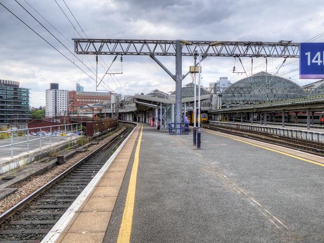 Platforms 13 and 14 Manchester David Dixon ccbysa20