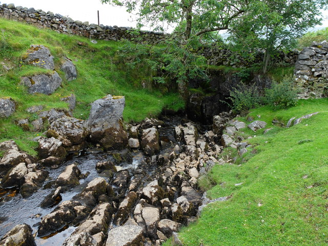 Brow Gill Beck descending into God's Bridge