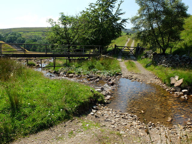 The ford and footbridge over Slei Gill