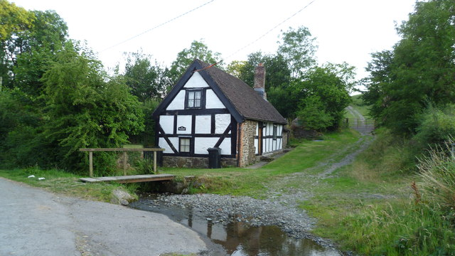 Brookside cottage little stretton jeremy bolwell for Brookside cottages