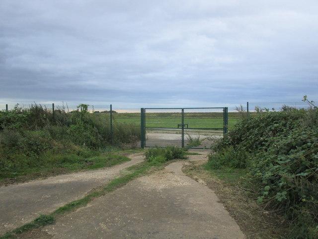 Perimeter gate