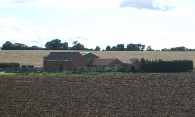Small farm off Fotheringhay Road