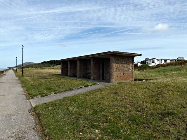 Brick shelter