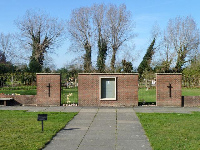 War memorial, Morden Cemetery