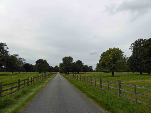 Grainsby Lane passes through Grainsby Park