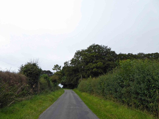 Steep lane near Hawerby Hall