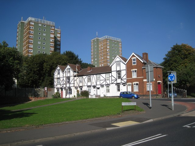 Mixed housing, western edge of Dudley town centre