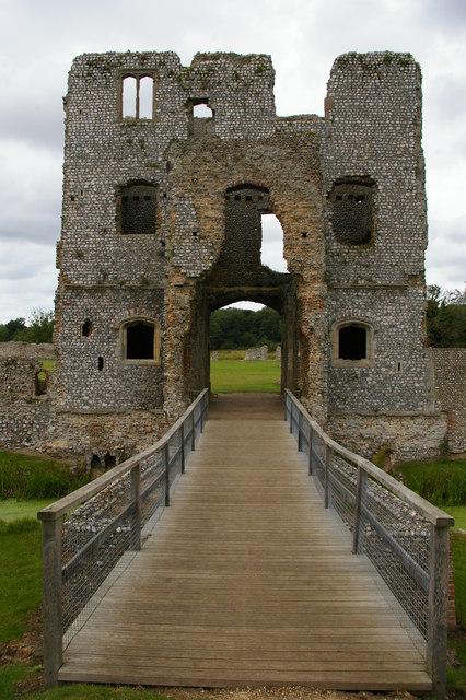 Baconsthorpe Castle: inner gatehouse
