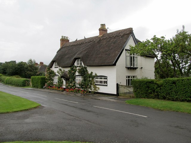 Offchurch Thatched Cottage