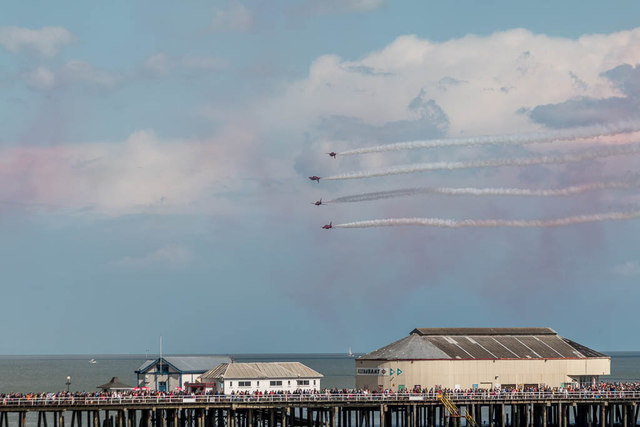 The Red Arrows - Mirror Image, Clacton Air Show, Essex