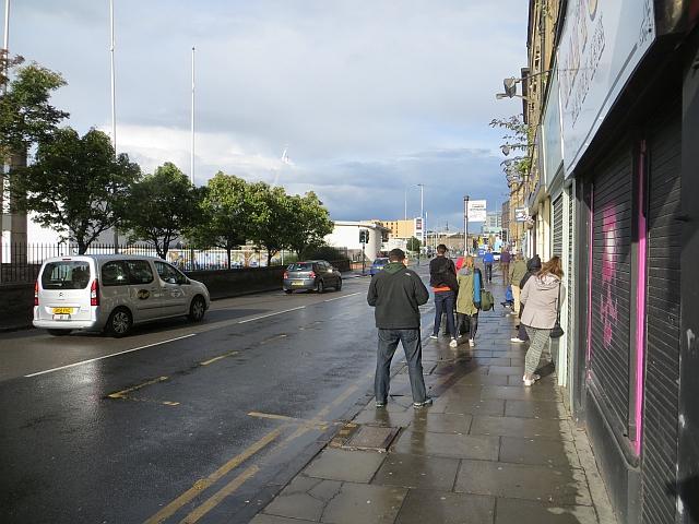 Bus scrum, Dundee Street