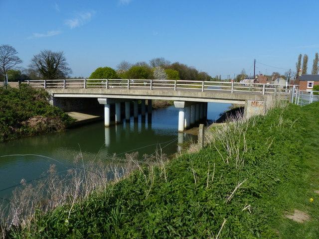A151 road bridge crossing the River Glen